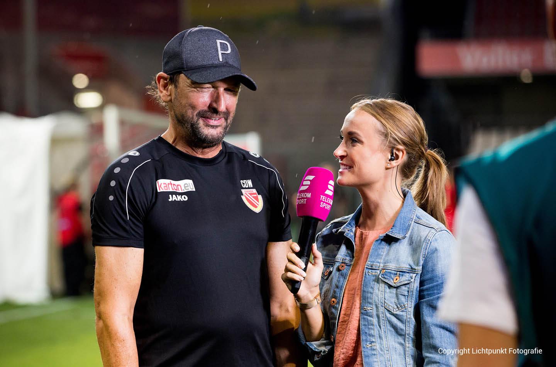 Sportmoderatorin Nele Schenker moderiert für Telekomsport